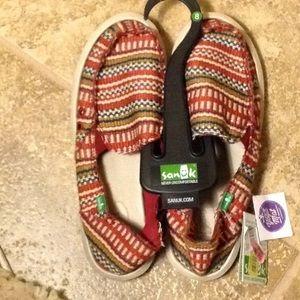 NWT Sanuk woven Donna Blanket yoga mat shoes